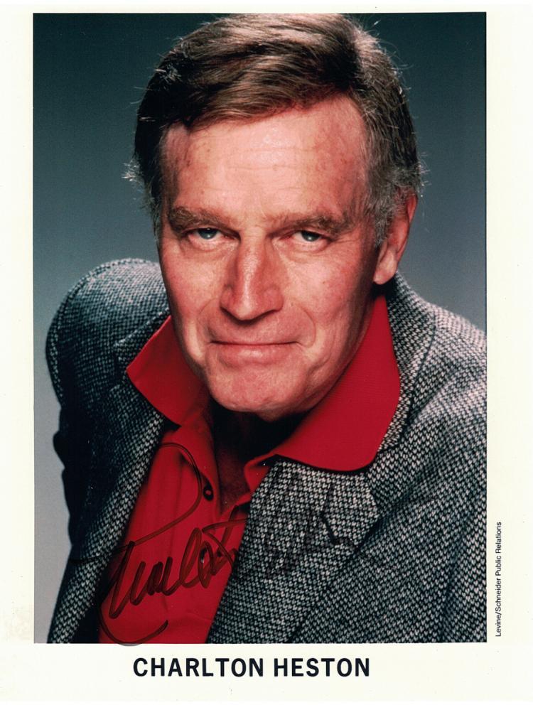 Actor CHARLETON HESTON - Photo Signed *NOT SECY*