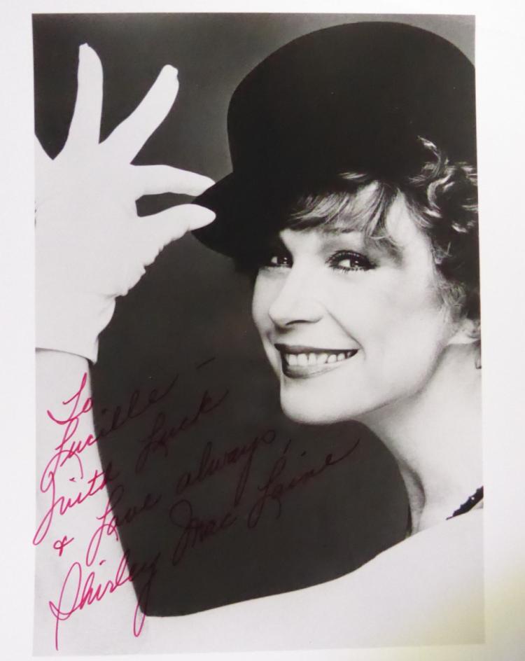 Actress, Singer SHIRLET MacLAINE - Photo Signed