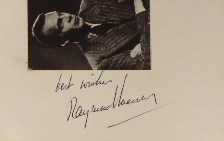 Actor RAYMOND MASSEY - Postcard Signed