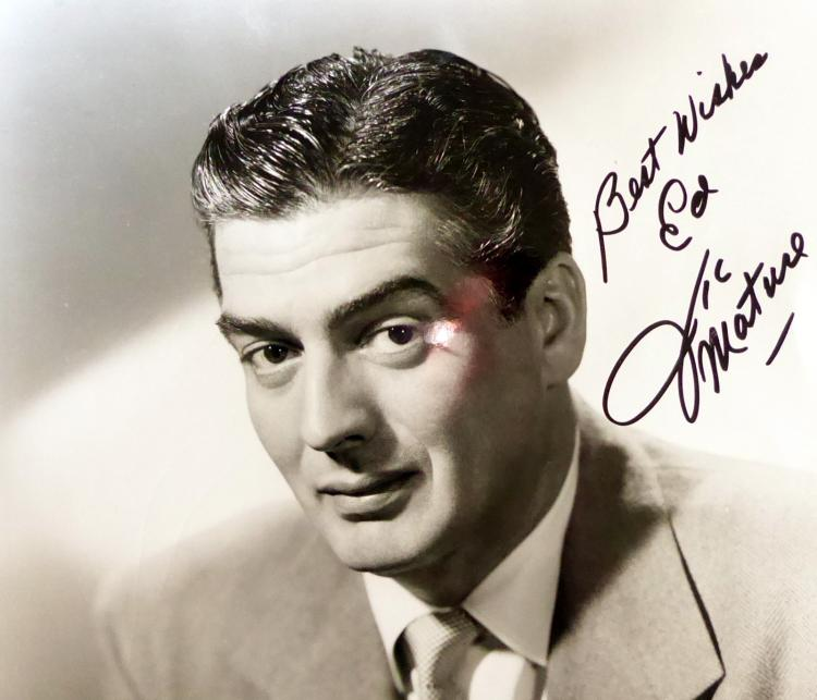 Actor VICTOR MATURE - Photo Signed