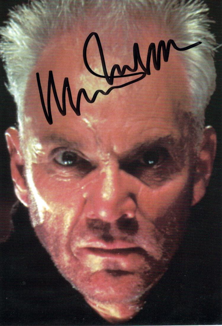 British Actor MALCOLM McDOWELL - Photo Signed