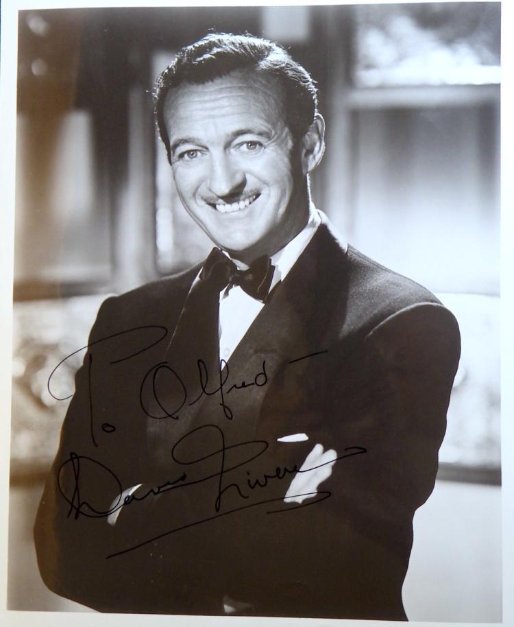 British Actor DAVID NIVEN - Photo Signed