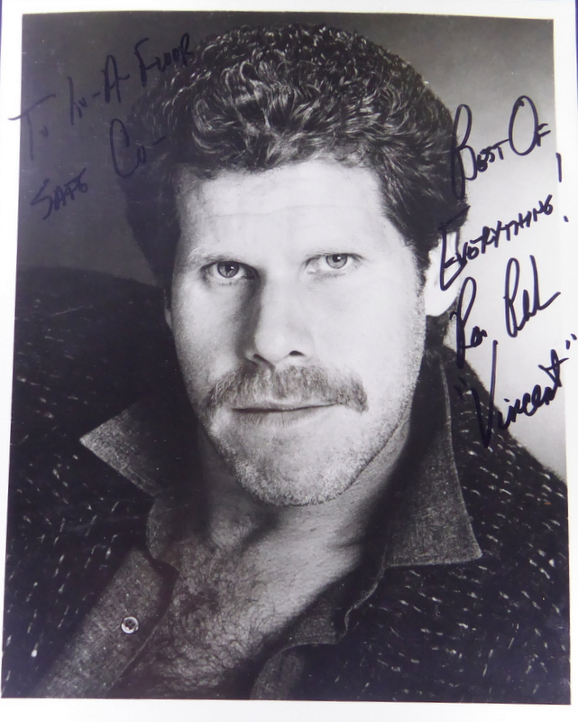 Actor RON PERLMAN - Photo Signed