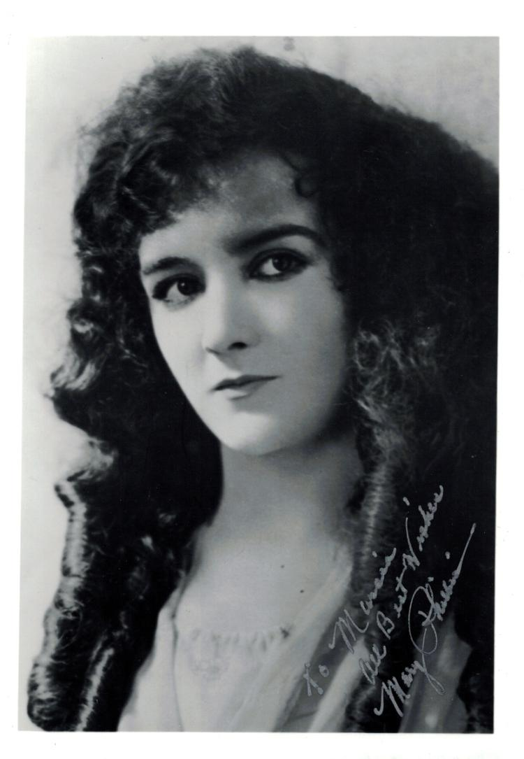 Silent Film Actress MARY PHILBIN - Photo Signed