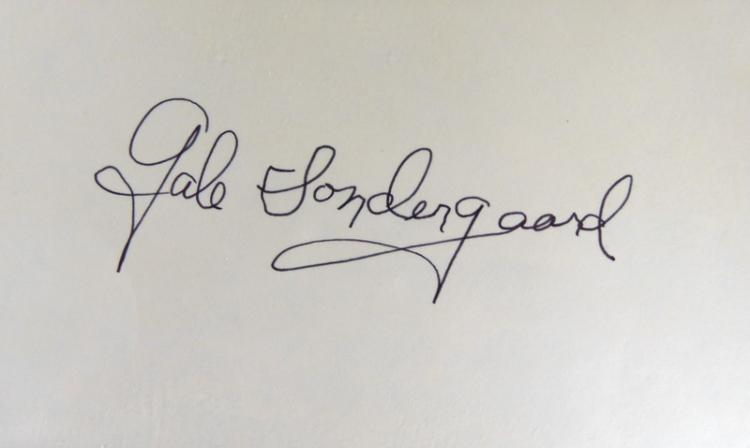 Actress GALE SONDERGAARD - Card Signed