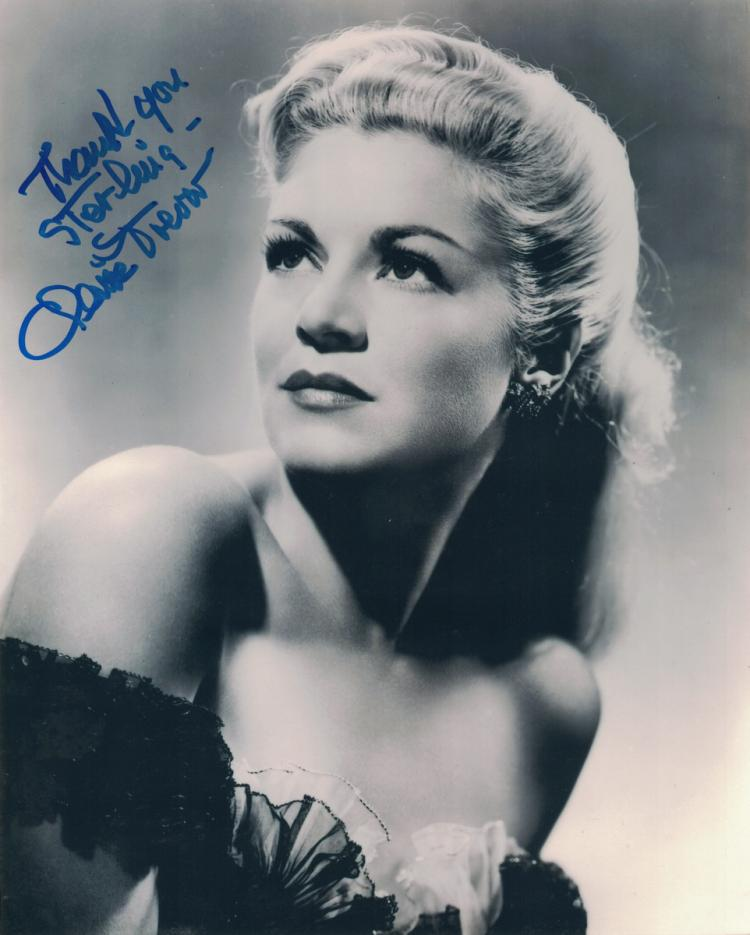 Actress CLAIRE TREVOR - Photo Signed