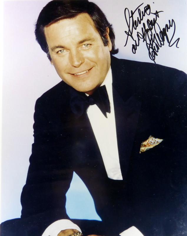 Actor ROBERT WAGNER - Photo Signed