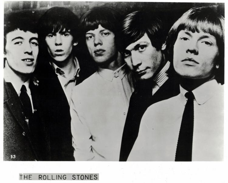English Band THE ROLLING STONES - Sheet Signed by ALL