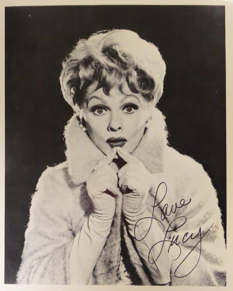Comedienne LUCILLE BALL - Photo Signed
