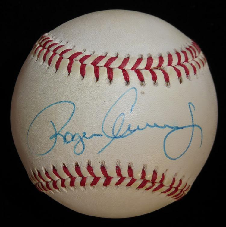 Pitcher ROGER CLEMENS - Baseball Signed