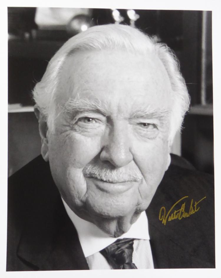 Newsman WALTER CRONKITE - Photo Signed