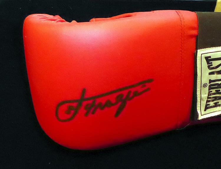 JOE FRAZIER - Boxing Glove Signed