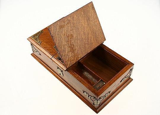 C1900 Oak Brass Bound Smoking Box Cutter