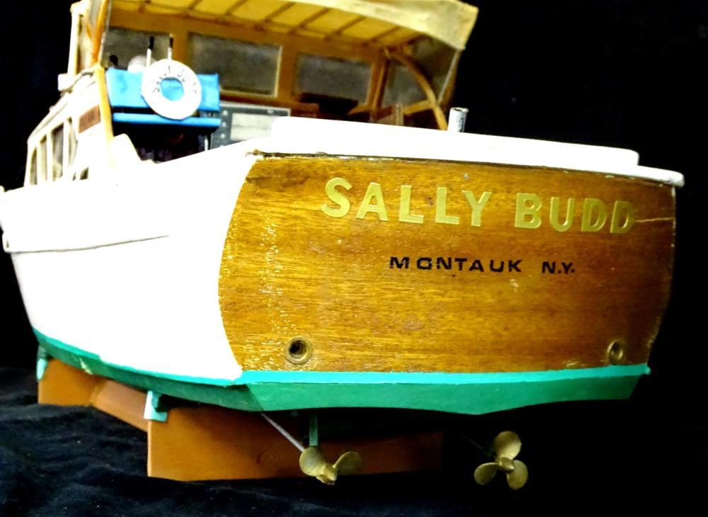 SALLY BUDD WOOD MODEL CABIN CRUISER