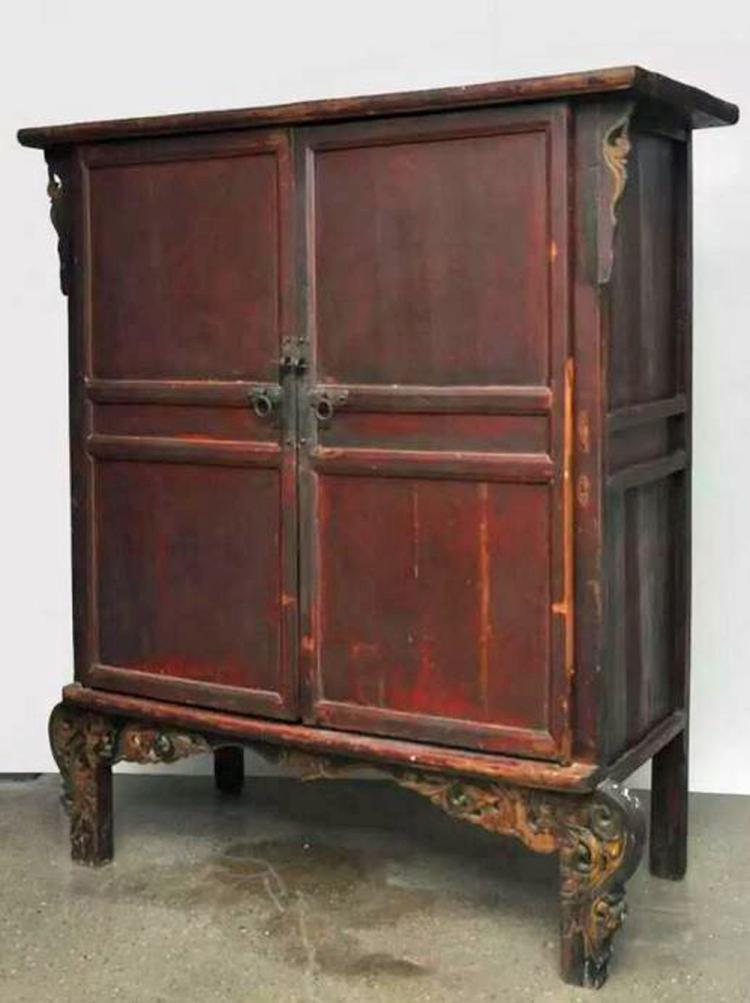 Large antique chinese red cabinet in original patina for Antique asian cabinet