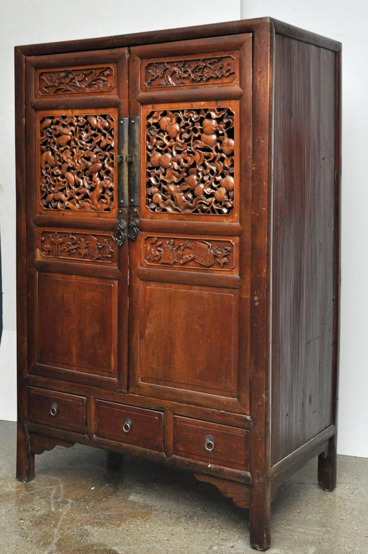 Chinese Antique Cabinet with Carvings of Peaches and Buddha Hand Citron - Chinese Antique Cabinet With Carvings Of Peaches And Buddha