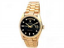 Gents Rolex 18K Yellow Gold Oyster Perpetual Daydate. Black 8+2. 18K Fluted Bezel. 18K Yellow Gold President Band. Style 18038. - L29697