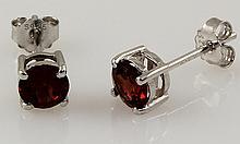 Garnet Gemstone 1.30ctw Silver Stud Earring 0.57g - L22391