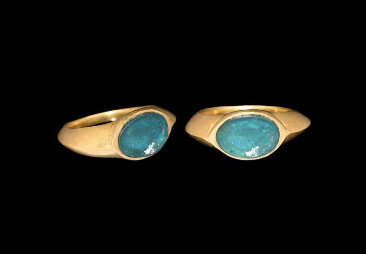 Roman Gold Ring with Green Cabochon