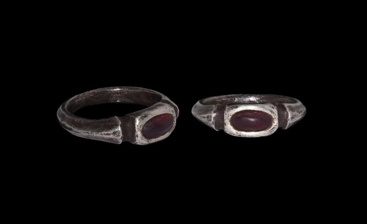 Post Medieval Tudor Silver Ring with Cabochon