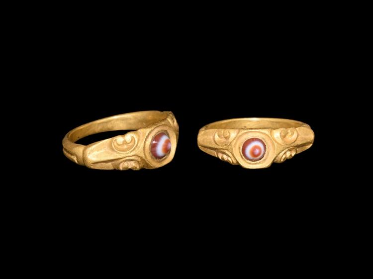 Roman Gold Ring with Banded Agate