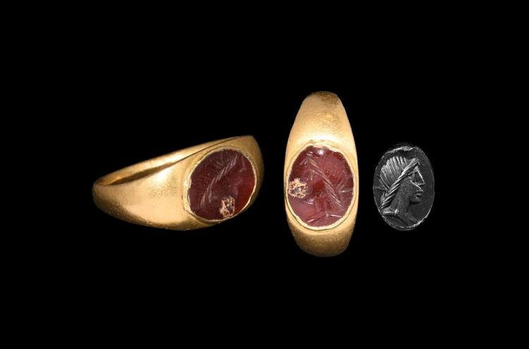 Roman Gold Ring with Sol Intaglio
