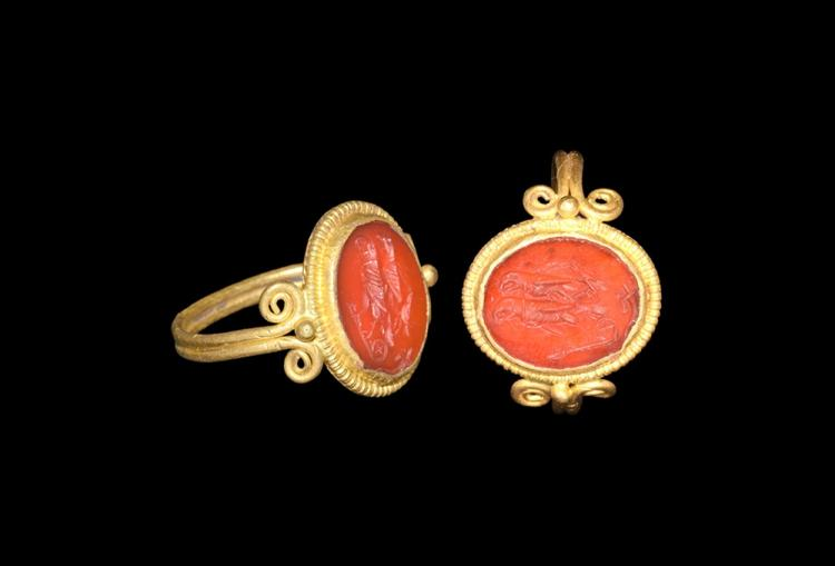 Roman Gold Ring with Birds Intaglio