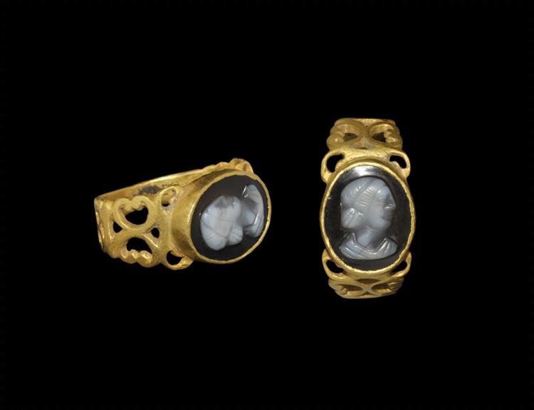 Roman Gold Ring with Cameo