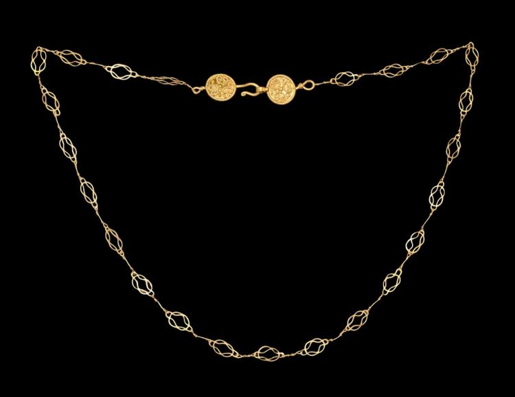 Roman Gold Chain with Figure-of-Eight Links