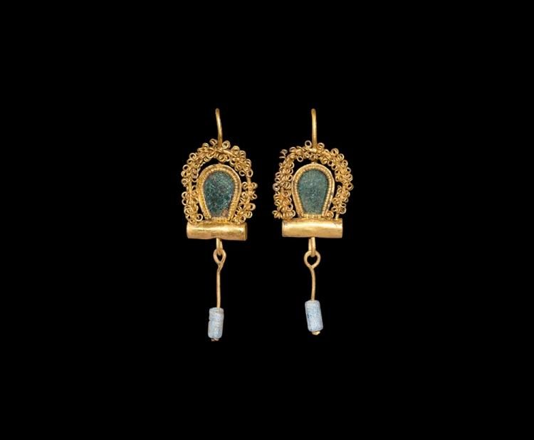Roman Gold Earring Pair with Chains and Drops