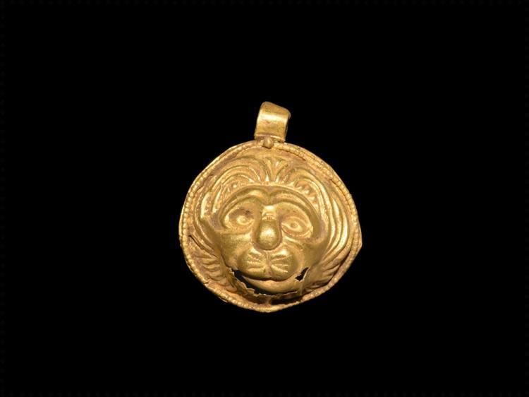 Roman Gold Pendant with Lion's Face