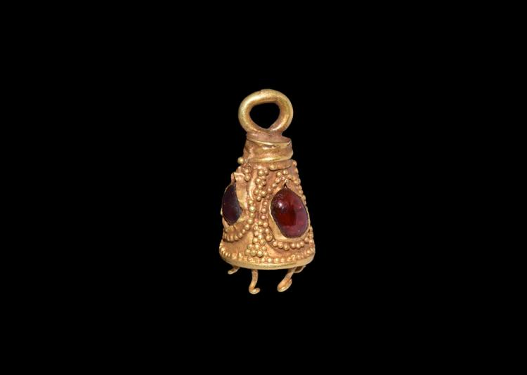 Roman Gold Pendant with Garnets