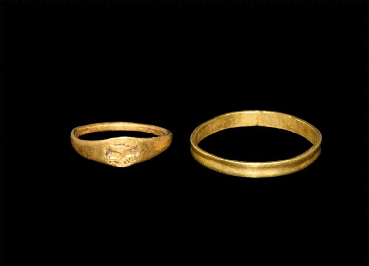 Roman Gold Ring Group