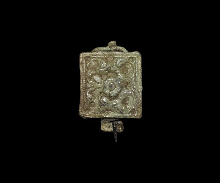 Roman Skeuomorphic Brooch