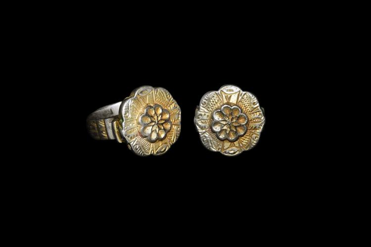 Byzantine Gilt Ring with Flower
