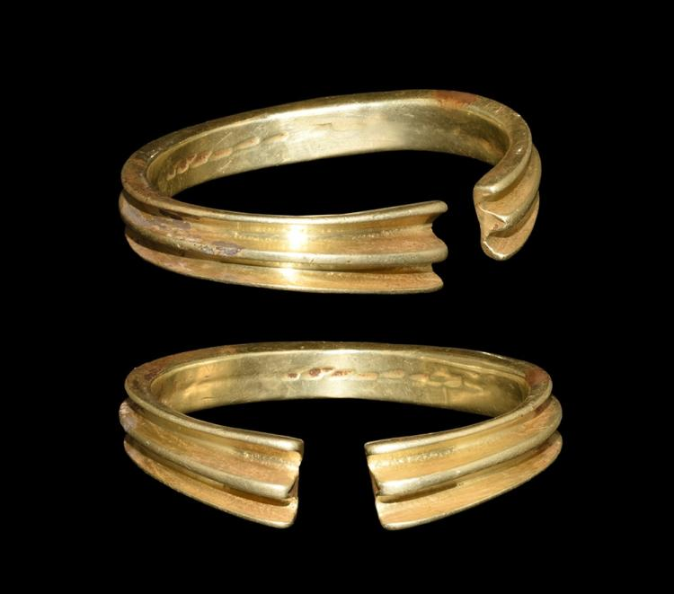 Bronze Age Heavy Solid Gold Ribbed Bracelet