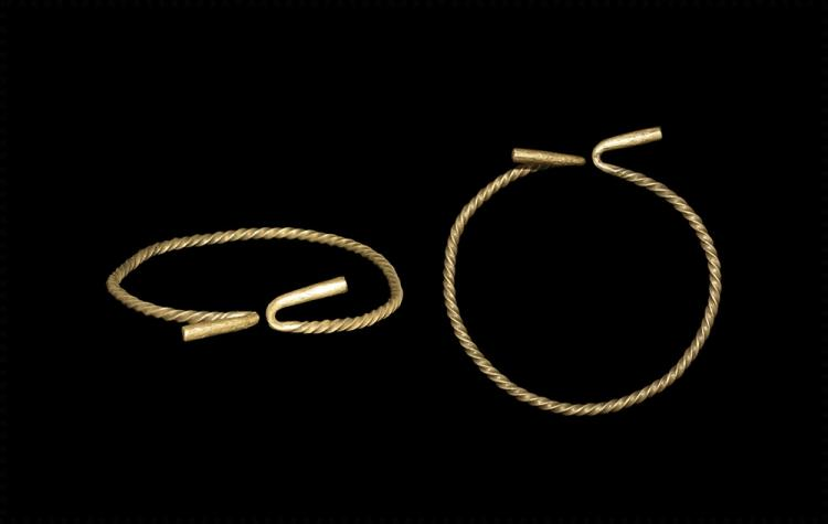 Bronze Age Gold Twisted Bracelet