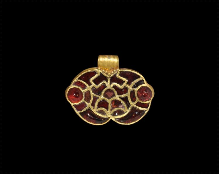 Thuringian Gold Bird-Heads Pendant with Garnets