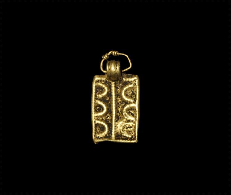 Viking Gold 'Horse Shoes' Pendant