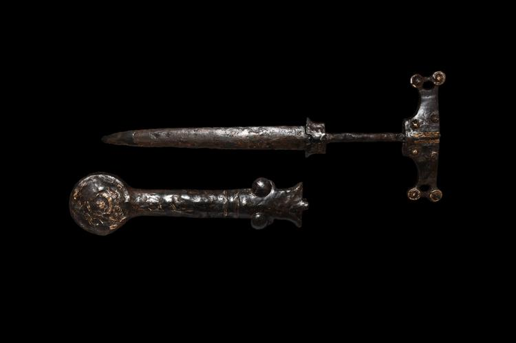 Iron Age Celtic Dagger with Scabbard