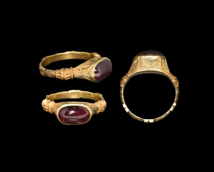 Medieval Gold Decorated Ring with Garnet