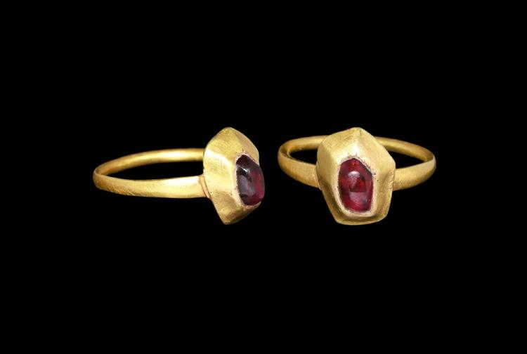 Medieval Gold Ring with Cabochon