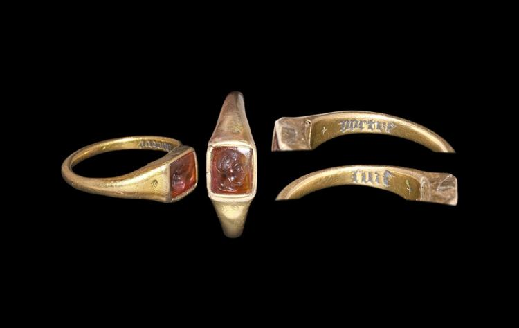 Medieval Gold Ring Inscribed 'I am yours'