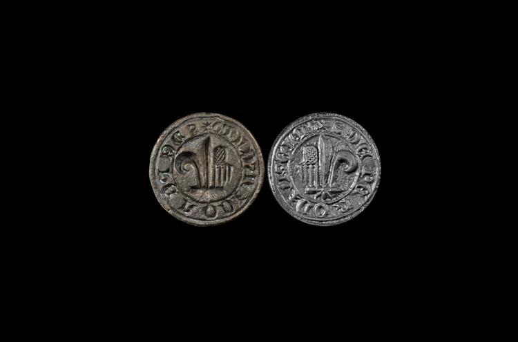 Medieval Halved Fleur Personal Seal