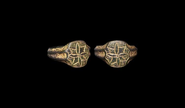 Medieval Gilt Floral Ring