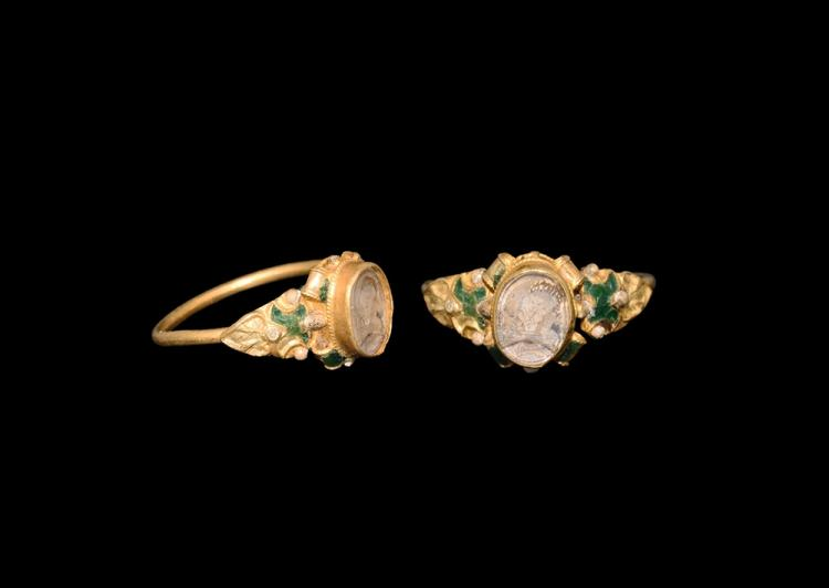 Post Medieval Tudor Mary Queen of Scots Gold Ring