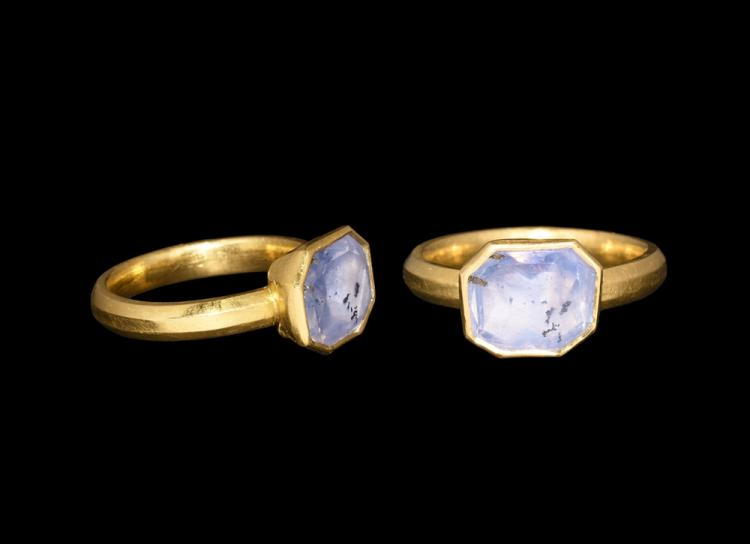 Post Medieval Gold Ring with Corn-Blue Sapphire
