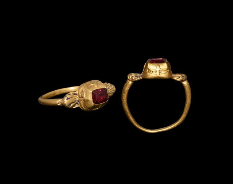 Post Medieval Tudor Gold Ring With Spinel