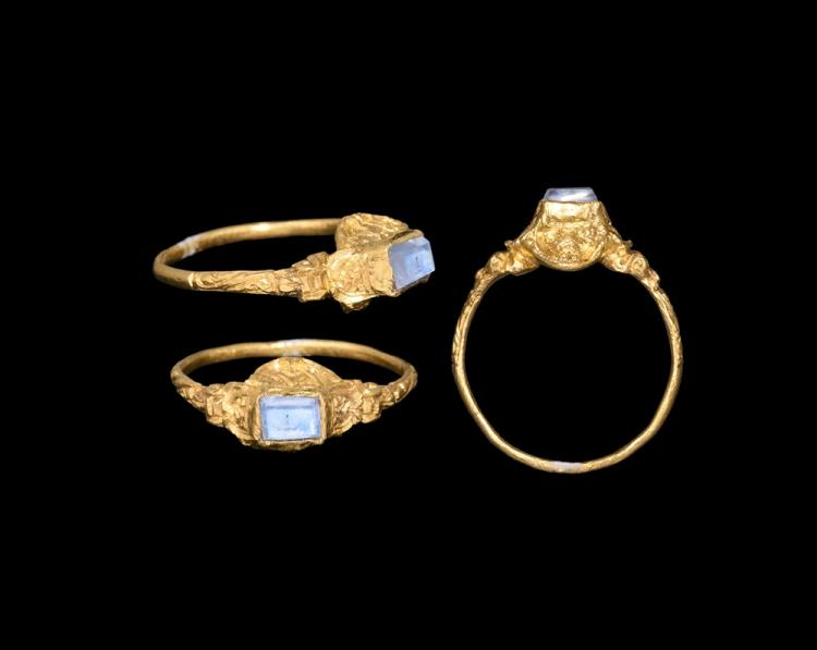 Post Medieval Renaissance Gold Ring with Sapphire