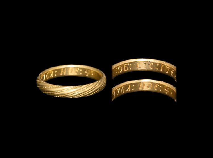 Post Medieval Gold Decorated Ring